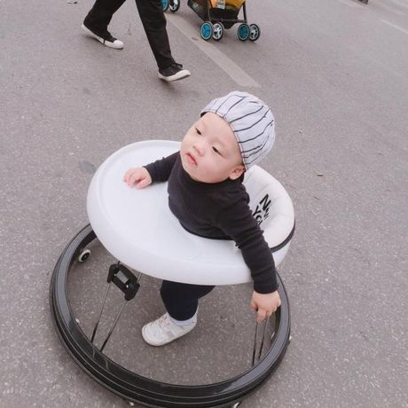 Ly Kute khoe anh con trai, cang lon cang giong Mac Hong Quan - Anh 6