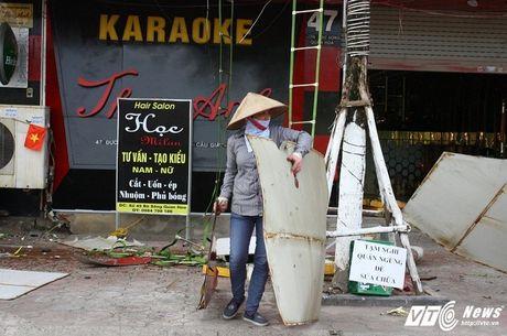 Hang loat quan karaoke 'ru nhau' do bien quang cao - Anh 5