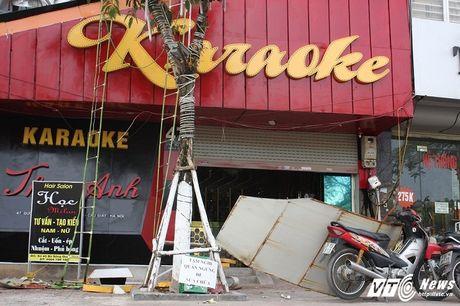 Hang loat quan karaoke 'ru nhau' do bien quang cao - Anh 6