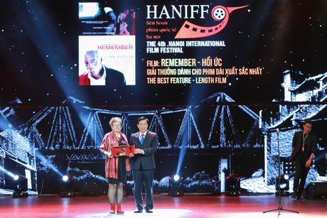 Hinh anh: Dem trao giai lien hoan phim quoc te Ha Noi lan thu 4 - Anh 14