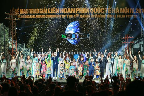 Hinh anh: Dem trao giai lien hoan phim quoc te Ha Noi lan thu 4 - Anh 17