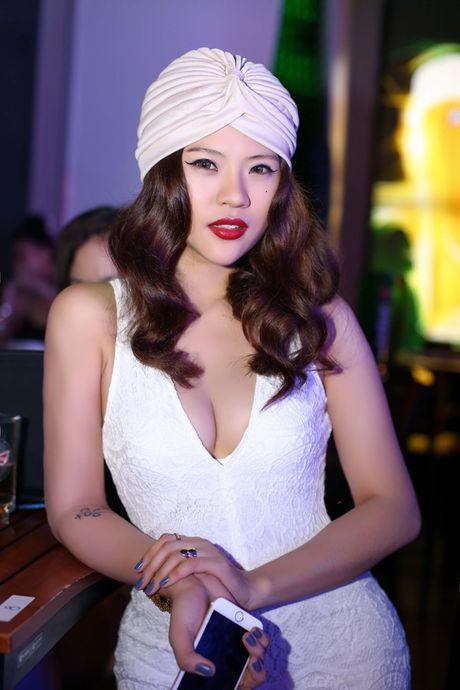 Mon mat ngam nhung bong hong non na cua chan sut Viet - Anh 12