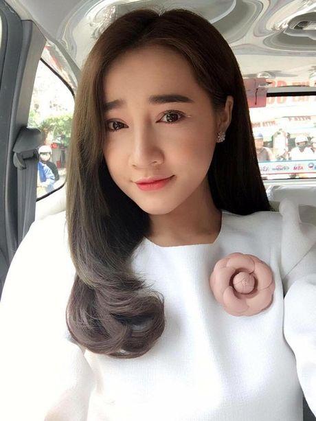 So sanh hinh anh nay khong tin Nha Phuong co cam nhon, mui cao - Anh 9