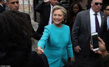 FBI tung ket qua dieu tra ba Clinton 2 ngay truoc bau cu - Anh 1