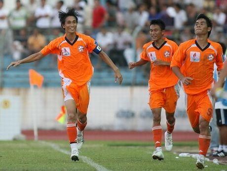 Phuoc Vinh trai long khi chia tay SHB Da Nang - Anh 1