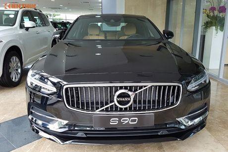 Volvo S90 chinh hang gia 2,7 ti dong tai Viet Nam - Anh 2