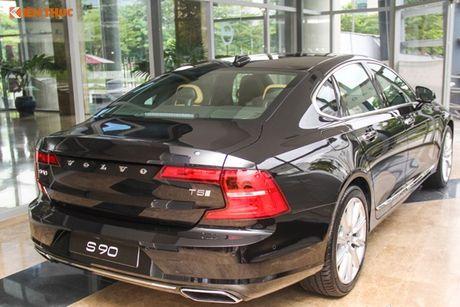 Volvo S90 chinh hang gia 2,7 ti dong tai Viet Nam - Anh 3
