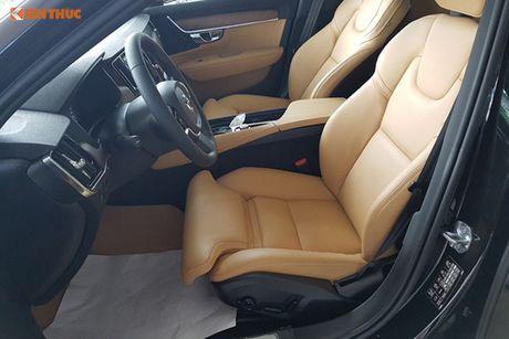 Volvo S90 chinh hang gia 2,7 ti dong tai Viet Nam - Anh 7