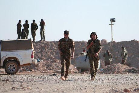Loat anh danh phien quan IS o Mosul va Raqqa - Anh 12