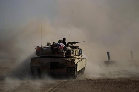 Loat anh danh phien quan IS o Mosul va Raqqa - Anh 1