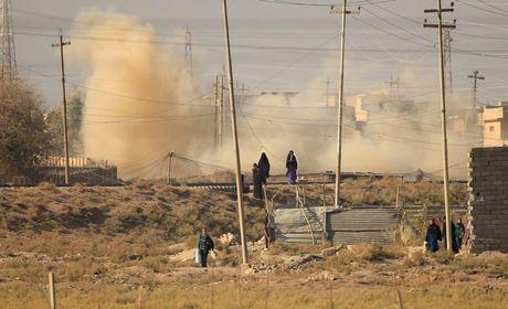 Loat anh danh phien quan IS o Mosul va Raqqa - Anh 2