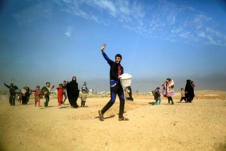 Loat anh danh phien quan IS o Mosul va Raqqa - Anh 7