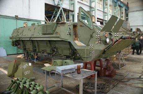 Kho do: Ukraine len mua phu tung Nga cho xe boc thep - Anh 3