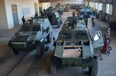 Kho do: Ukraine len mua phu tung Nga cho xe boc thep - Anh 6