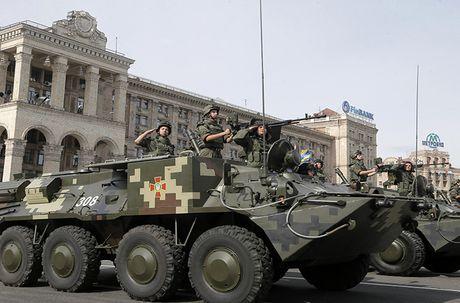Kho do: Ukraine len mua phu tung Nga cho xe boc thep - Anh 7