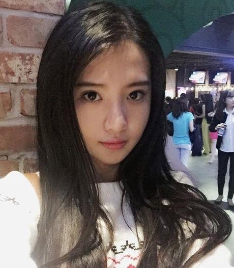 Nhan sac hot girl Can Tho duoc dan mang Trung Quoc 'san lung' - Anh 1