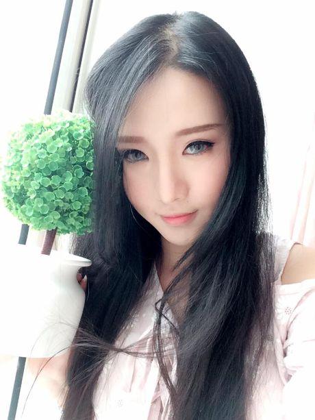 Nhan sac hot girl Can Tho duoc dan mang Trung Quoc 'san lung' - Anh 2