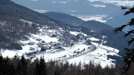 Ve dep long lay vung Tirol khi chom dong - Anh 10