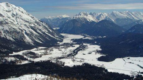 Ve dep long lay vung Tirol khi chom dong - Anh 12