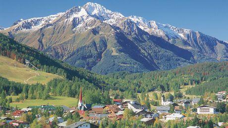 Ve dep long lay vung Tirol khi chom dong - Anh 1