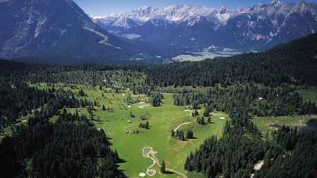 Ve dep long lay vung Tirol khi chom dong - Anh 3