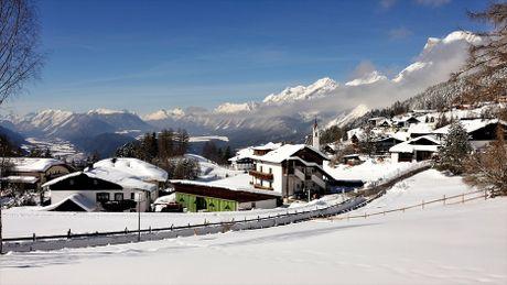 Ve dep long lay vung Tirol khi chom dong - Anh 4