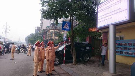 Ha Noi: Tuyen truyen Luat giao thong qua 15 man hinh Led - Anh 1