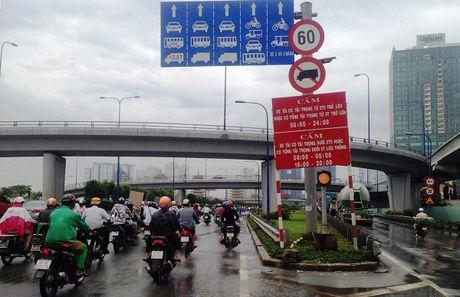 TP.Ho Chi Minh: Them mot 'bay' giao thong o cua ngo phia Dong - Anh 1