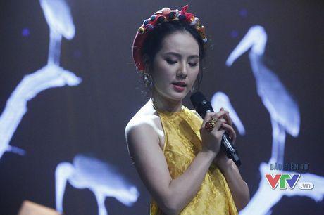 Phuong Linh khoe ve dep ngot ngao trong Giai dieu tu hao thang 11 - Anh 1