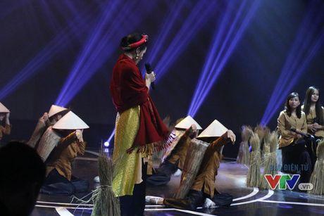 Phuong Linh khoe ve dep ngot ngao trong Giai dieu tu hao thang 11 - Anh 3