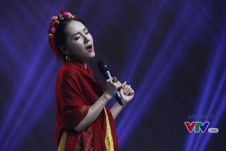 Phuong Linh khoe ve dep ngot ngao trong Giai dieu tu hao thang 11 - Anh 4