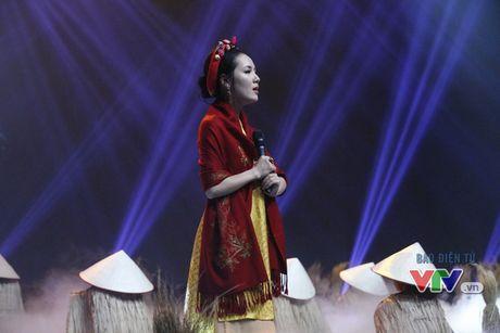 Phuong Linh khoe ve dep ngot ngao trong Giai dieu tu hao thang 11 - Anh 5