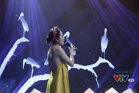 Phuong Linh khoe ve dep ngot ngao trong Giai dieu tu hao thang 11 - Anh 6
