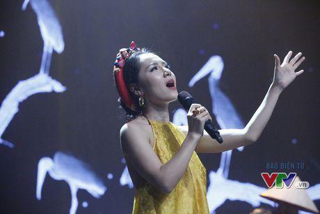 Phuong Linh khoe ve dep ngot ngao trong Giai dieu tu hao thang 11 - Anh 9