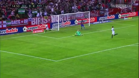 "Barcelona ""vuot ai"" Sevilla, ap sat ngoi dau Real Madrid - Anh 1"