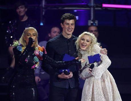 Dong Nhi chi duoc du khan giai trao giai MTV VMAs 2016 - Anh 6