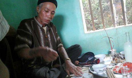 Doc dao le cung via cua nguoi Muong - Anh 1