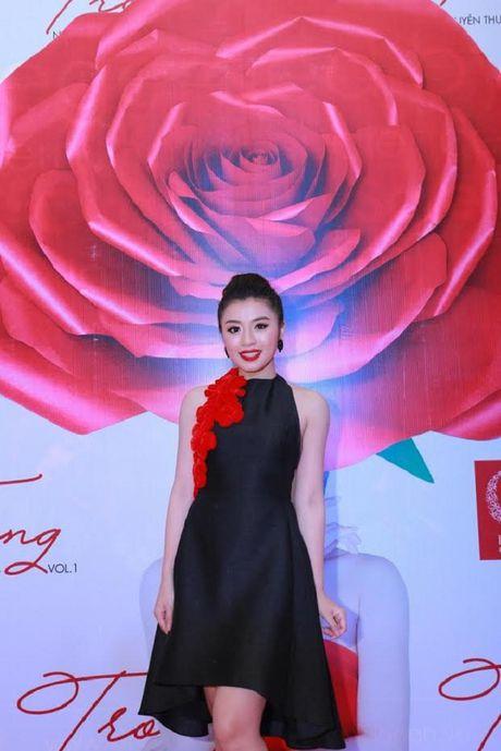 Quan quan Thu Hang 'tan cong' showbiz bang du an 'khung' - Anh 3