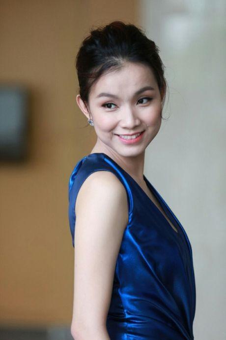 Hoa hau Thuy Lam: 'Neu duoc chon lai, van muon cham lo cho gia dinh' - Anh 1