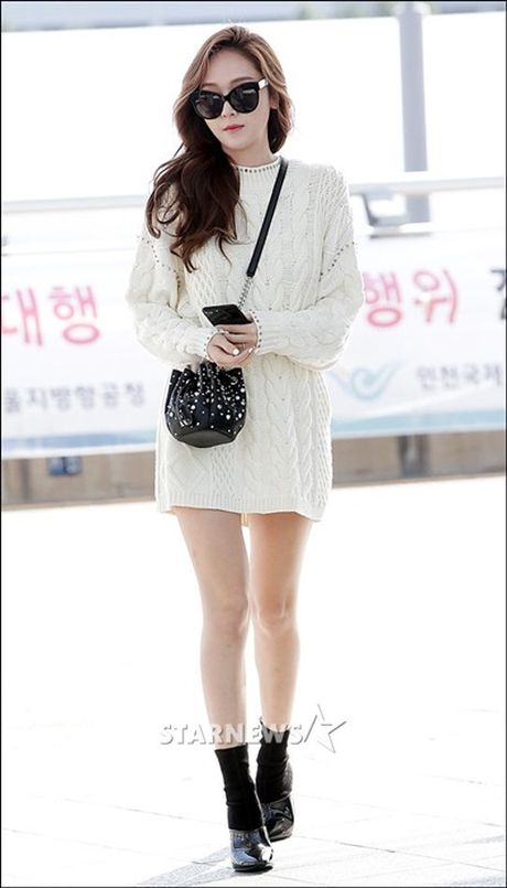 Jessica do style cung SNSD, Chae Yeon phoi do che chan tho - Anh 1