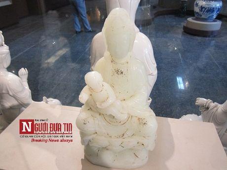 Chuyen ky thu dang sau 2 bao vat tai chua Quan The Am Da Nang - Anh 1