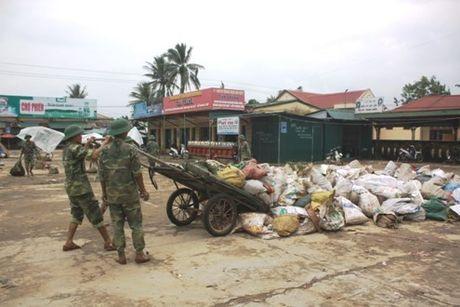 Quang Tri oan minh khac phuc hau qua sau thien tai - Anh 1