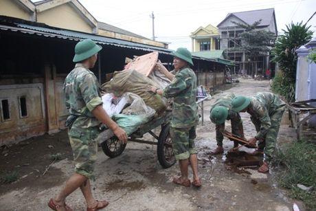 Quang Tri oan minh khac phuc hau qua sau thien tai - Anh 2