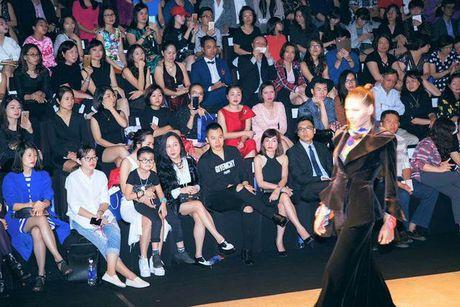 Tham do VIFW be mac: Phuong Chanel, Vu Khac Tiep dien 'do doi' - Anh 1
