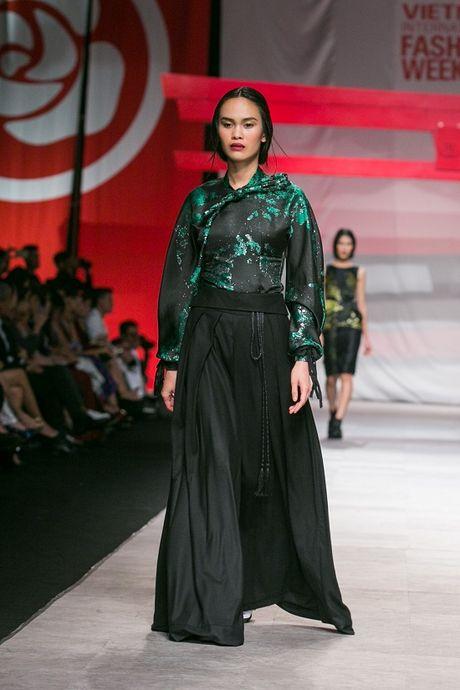 Man nhan voi man ket cua NTK Phuong My tai Vietnam International Fashion Week - Anh 5