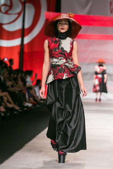 Man nhan voi man ket cua NTK Phuong My tai Vietnam International Fashion Week - Anh 6