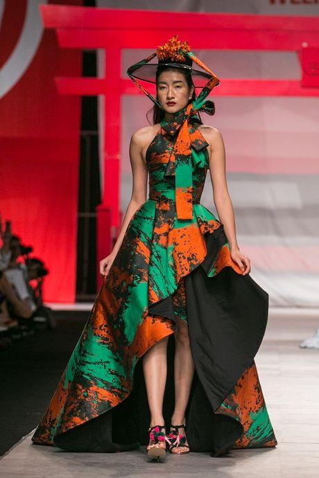 Man nhan voi man ket cua NTK Phuong My tai Vietnam International Fashion Week - Anh 7