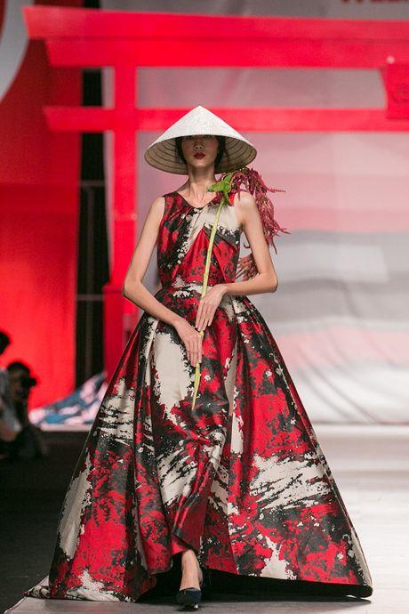 Man nhan voi man ket cua NTK Phuong My tai Vietnam International Fashion Week - Anh 8