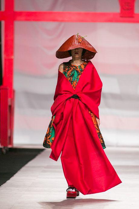 Man nhan voi man ket cua NTK Phuong My tai Vietnam International Fashion Week - Anh 9