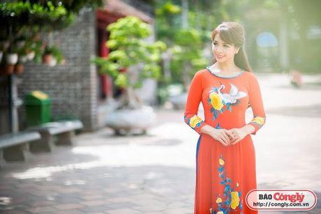 Sieu mau Thuy Hang tro ve tuoi 20 khi dien ao dai tai Van Mieu - Anh 7